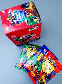 China Super Heroes Fruit Powder Candy With Poker Healthy And Funny factory